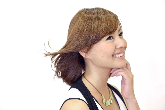 富山市の美容院「CORE」はカット・カラー・パーマのほかに造顔マッサージも!美しくありたい女性をサポートします!