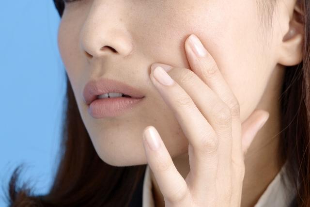 美容を意識している女性の方必見!顔にむくみが起こる原因